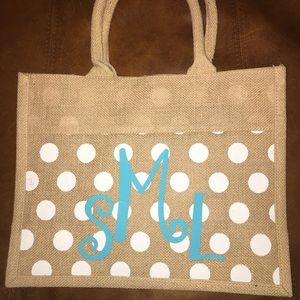 Handbags - NWOT💝Cute tote monogrammed bag